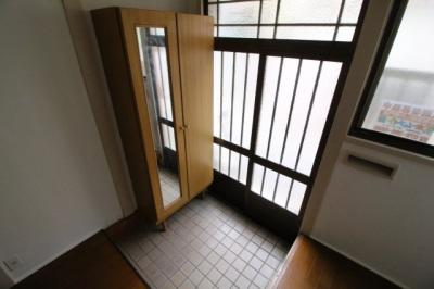 【玄関】二葉町貸家