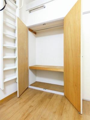 洋室7帖のお部屋にある3帖のロフトスペースです!ロフトスペースはベッドや収納スペースとしても使えて便利です☆