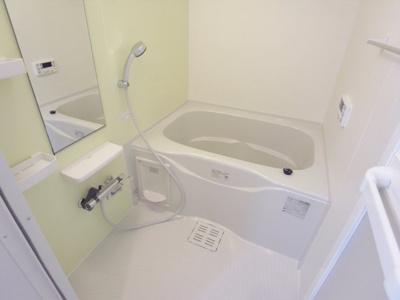 【浴室】カーサコルティーレⅢ