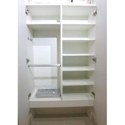 ルジェンテ・バリュ上野の収納豊富なトールタイプのシューズBOXです