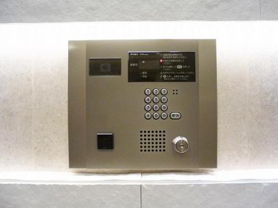 ルジェンテ・バリュ上野のTVモニター付オートロックです