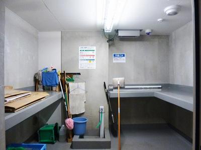 ルジェンテ・バリュ上野の24時間利用可能なごみ置き場です