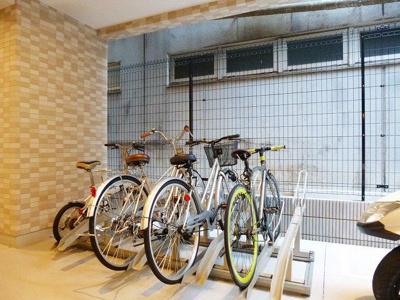 ルジェンテ・バリュ上野の駐輪場です