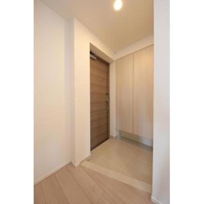 ルジェンテ・バリュ上野の玄関です、ダブルロックセキュリティです
