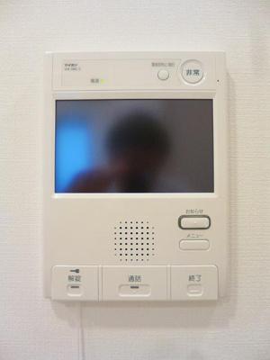 ルジェンテ・バリュ上野のTVモニター付インターホンです、オートロックです