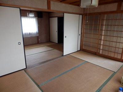 【洋室】奥中古住宅