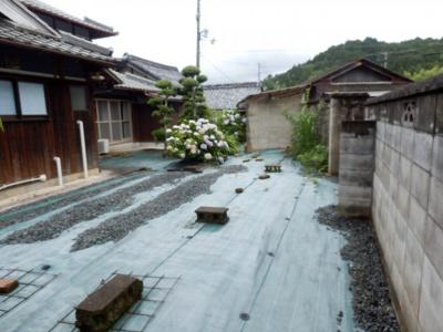 【庭】奥中古住宅