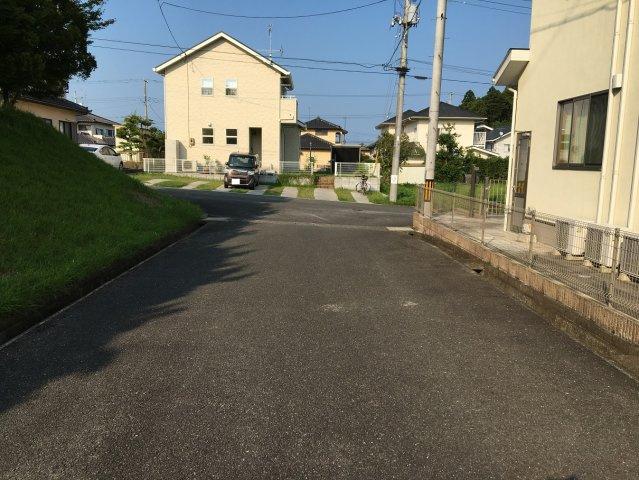【前面道路含む現地写真】勿来町四沢 中古戸建