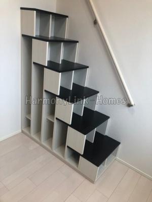 ローレンス ヒルズの収納付き階段(同一仕様写真)☆