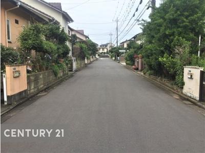 【前面道路含む現地写真】土浦市中村東 中古一戸建て