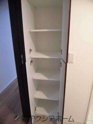 洗面室の収納スペース