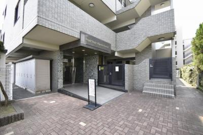 横浜市営地下鉄ブルーライン「日吉本町」駅徒歩2分と好立地!