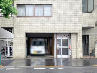 駒沢通り沿いに面した好立地