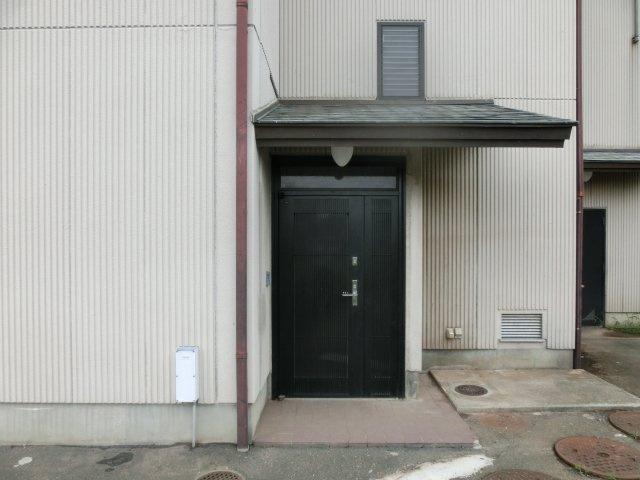 【玄関】比企郡ときがわ町玉川 店舗付住宅