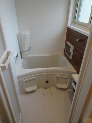鶯谷マンション やっぱり嬉しいバストイレ別!水回りの設備充実!