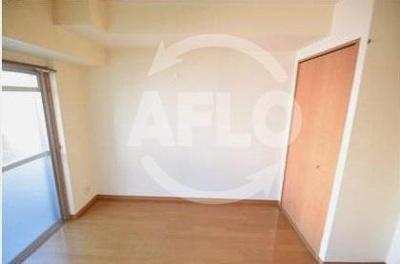 レインボーコート立売堀 寝室