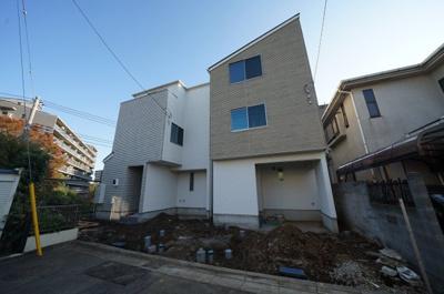 【外観】保土ヶ谷区仏向西 全2棟 新築戸建【成約】
