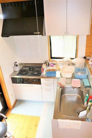 L型キッチンなのでコンパクトに見えますが使い勝手いいですよ(^^)/