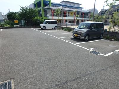 【駐車場】エスト・ヴェルジュ