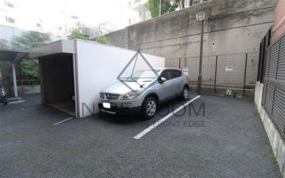 パレステュディオ広尾 駐車場