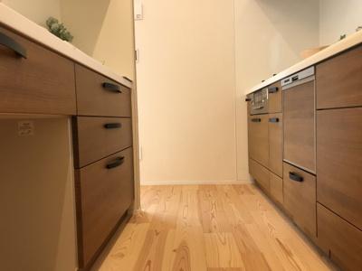 半独立型キッチン