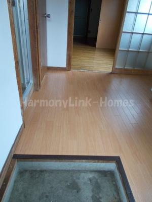 ハウス篠崎8号棟のシンプルで使いやすい玄関です☆