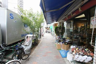 小熊ビル 物件前 尾竹橋通り沿いの物件です
