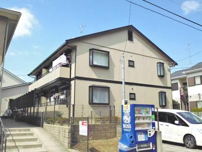 横浜市営地下鉄「センター南」駅より徒歩圏内!1フロア2住戸のアパートです♪2沿線利用可能で通勤にも便利!小学校が近くてお子様の通学も安心です♪