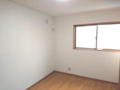 落ち着いたカラーでまとめてゆったりと寛げるお部屋にしました。1日の疲れをしっかり癒してください。