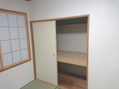 和室には使い勝手の良い押入れをご用意。来客時のお布団もしっかりと収納が出来ます!