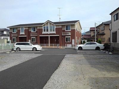 敷地内駐車場空きあり。
