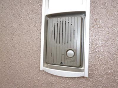 玄関前インターホン