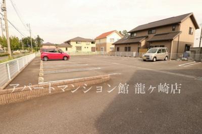 【駐車場】ホワイトウイングB