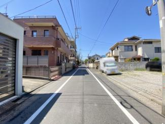 【前面道路含む現地写真】世田谷区下馬6丁目 建築条件なし土地