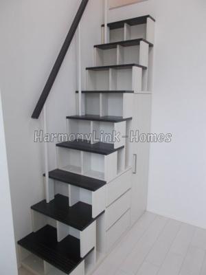 ハーモニーテラス武蔵中原の収納付き階段☆