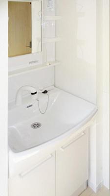 (仮)新百合ヶ丘デザイナーズアパートの独立洗面台