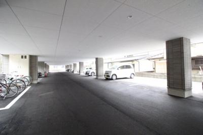 【駐車場】wisteria