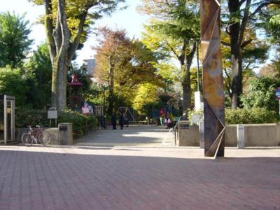 眼下に望む鍋島松濤公園