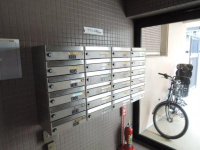 集合ポストです。 郵便物などはこちらに届きます。