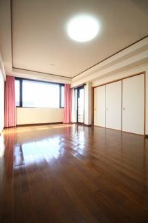 【居間・リビング】モンセーヌ六甲・甲麓館