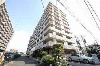 JR柚須駅まで徒歩9分。博多駅方面への通勤にも便利です スーパー、コンビニなど徒歩圏内にあり便利。駐車場1台確保