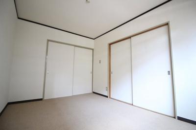 白を基調としたきれいな内装です♬