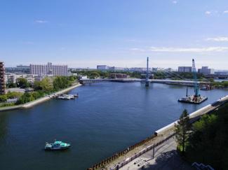 物件からは運河を望める良い眺望です。