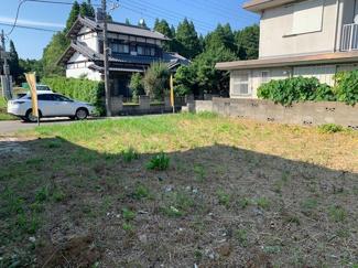 奥行きのある土地で、プライベートな庭づくりをすることができます。