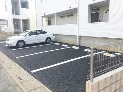 【駐車場】ウィクトーリア