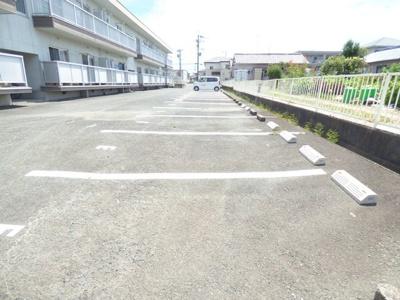 【駐車場】ファミリーハイツ