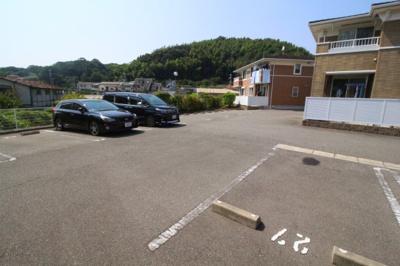 【駐車場】シャトー・シモハタ4