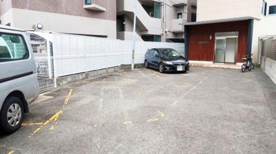 【駐車場】芥川マンション