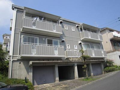 ペットOK!ワンちゃん・猫ちゃんと一緒に暮らせます♪1フロア2住戸の2階建てアパートです☆