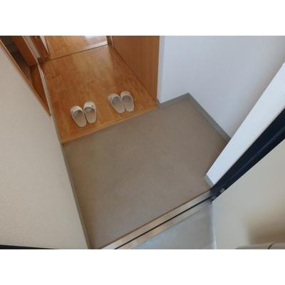 ※イメージ(反転タイプになります) 落ち着いた玄関です